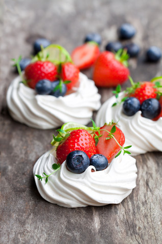 Naturally Sweet Mini Pavlovas