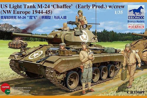 Bronco - M24 Chaffee (Early Prod.) w/ Crew 1/35