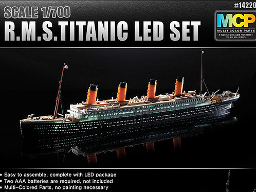 Academy - RMS Titanic Led Set 1/700