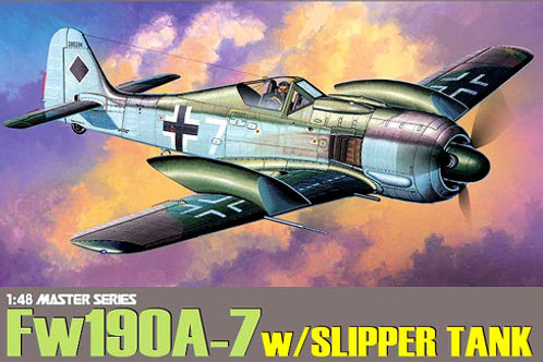 Dragon - Focke Wulf Fw 190 A-7 with slipper tank