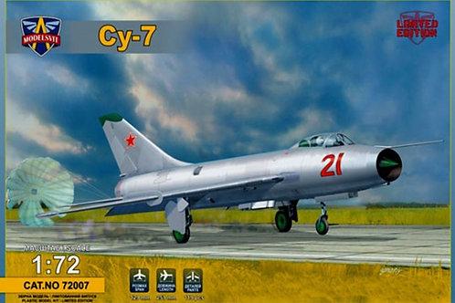 Modelsvit - Soviet Fighter Sukhoi Su-7 1/72