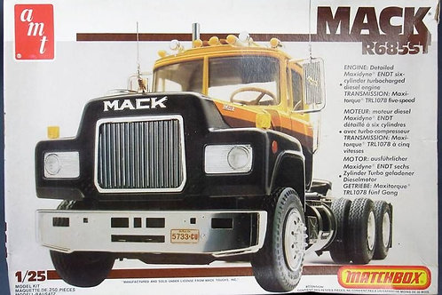 AMT - Mack R685ST 1/25