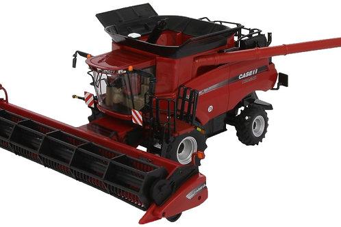 Britains - Case IH 8230 Combine Harvester 1/32