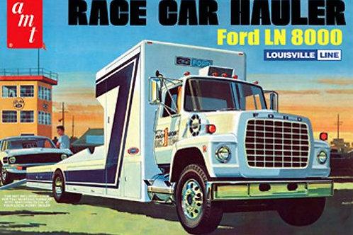 AMT - Race Car Hauler Ford LN 8000 1/25