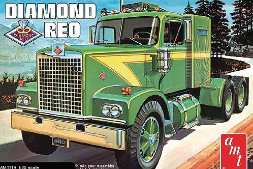 AMT - Diamond Reo Tractor 1/25