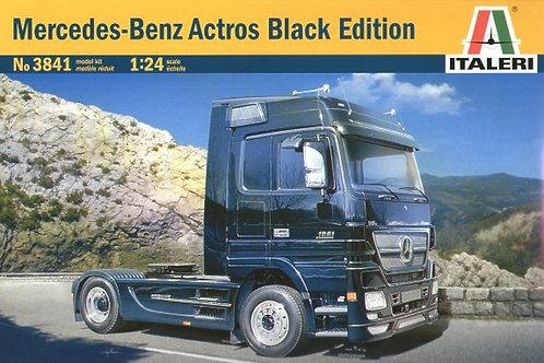 Italeri - Mercedes-Benz Actros Black Edition 1/24