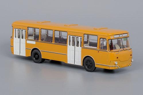 Classic Bus - Soviet Russian Bus Liaz 677M 1983 1/43