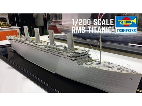 Trumpeter 03713 - R.M.S. Titanic with led lights 1/200