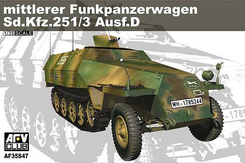 AFV Club - Sd.Kfz.251/3 Ausf.D Funkpanzerwager