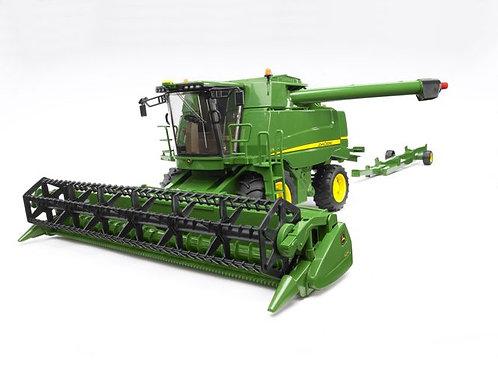 Bruder 02132 - John Deere Combine Harvester T670i 1/16