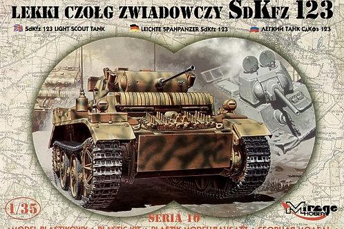 Mirage Hobby - Sd.Kfz.123 Light Scout Tank 1/35