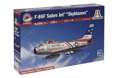 Italeri - F-86F Sabre Jet Skyblazers 1/32