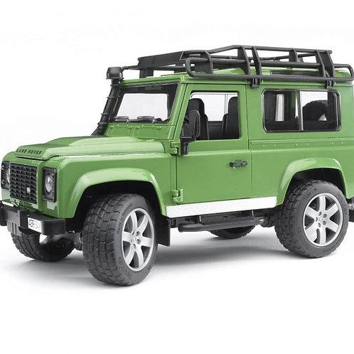 Bruder 02590 - Land Rover Defender Station Wagon 1/16