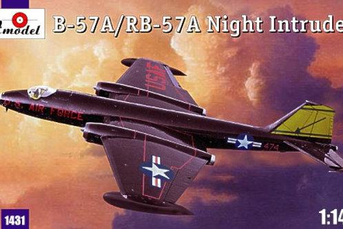 Amodel - B-57A / RB-57A Night Intruder 1/144