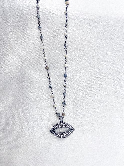 Mixed Gray Kiss Necklace