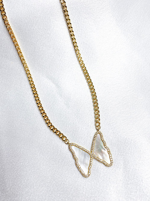 Cuban Chain Pearl Butterfly Necklace