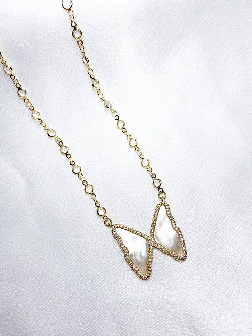 Pearl Diamond Butterfly Single