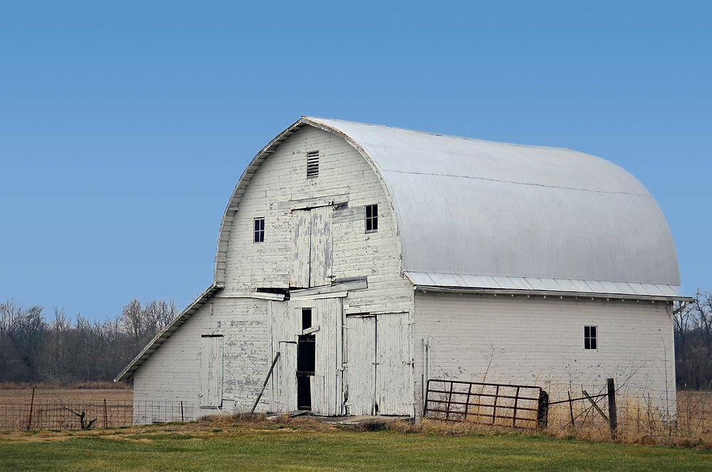 An old barn in good condition that can be easily sold in Pennsylvania. How to sell an old barn, old barn buyers
