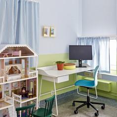 Fargesetting, innredning og styling av undersøkelsesrom på barnesenteret til Ullevål, for Fargerike
