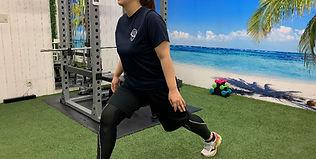 トレーニング女性