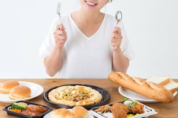 高カロリーの食事