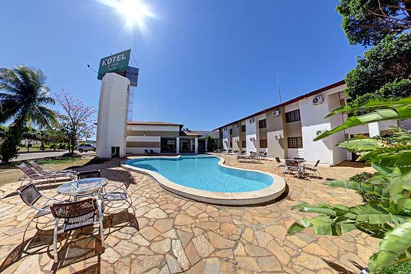 piscina hotel solar rio de pedras