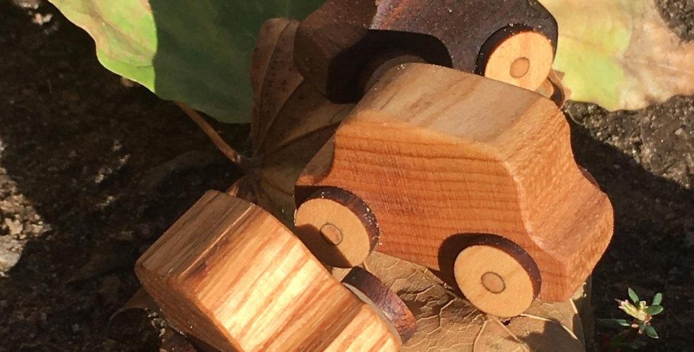 Mini voitures en bois recyclé