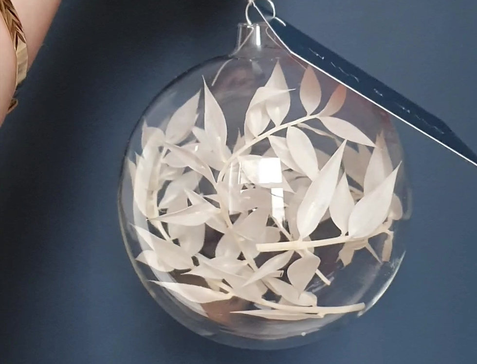 RUSCUS GLASS BAUBLE