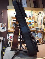 Утепленный полужесткий гитарный чехол