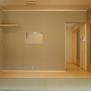 居間からキッチン間仕切り壁