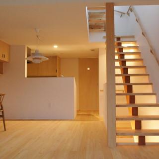 1~2階の階段