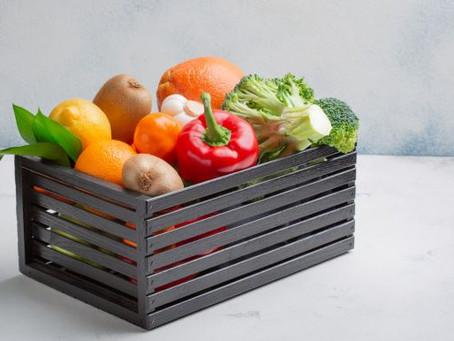 Ventajas de usar cajas caladas para tus frutas y verduras