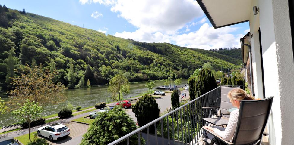 HausMosel_ferienwohnung3_Balkon.jpg