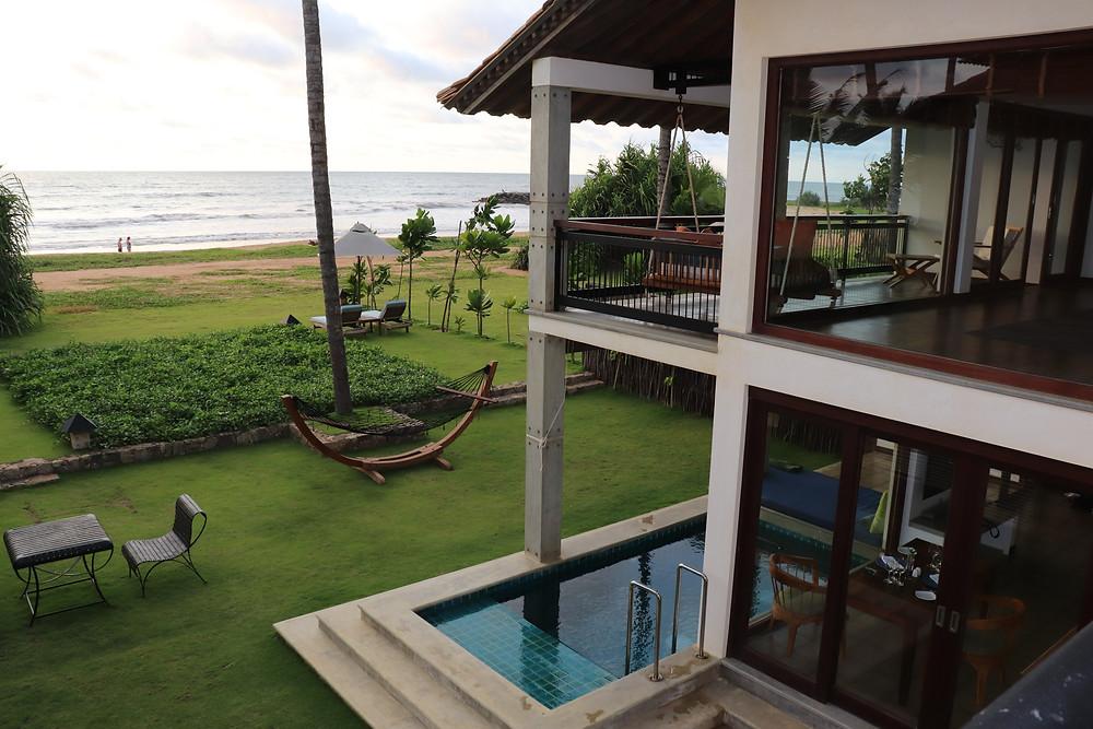 Die Strandvilla mit privaten Pool, zwei Stockwerken und Frühstück und Abendessen auf Wunsch im Haus