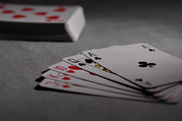 playing-cards-1201257_1280.webp
