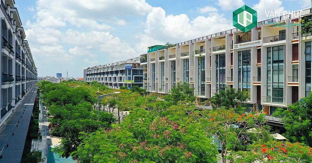 Giao thông phủ bóng cây xanh - Khu đô thị Vạn Phúc