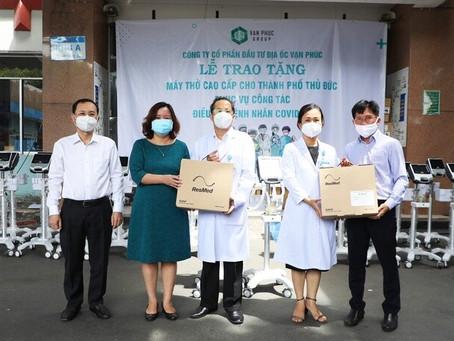 Tập đoàn Vạn Phúc – Chủ đầu tư Khu đô thị Vạn Phúc tặng 26 máy thở cho hệ thống y tế tại Tp Thủ Đức