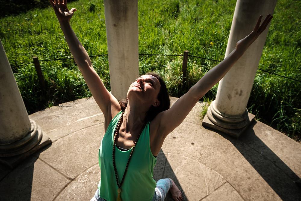 Confidence yoga open heart warrior 1 grounding