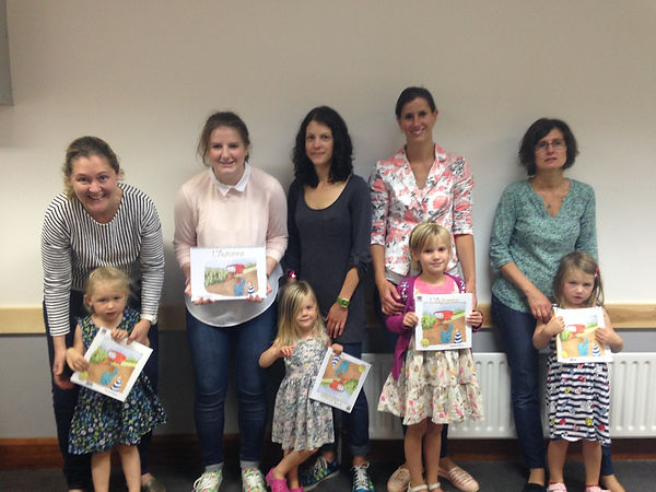 Les Puces Early Years French Classes at Tunbridge Wells with new Autum bilingual books