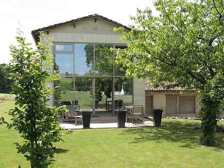 traditional stone barn inCognac region SW France converted into oliday apartment