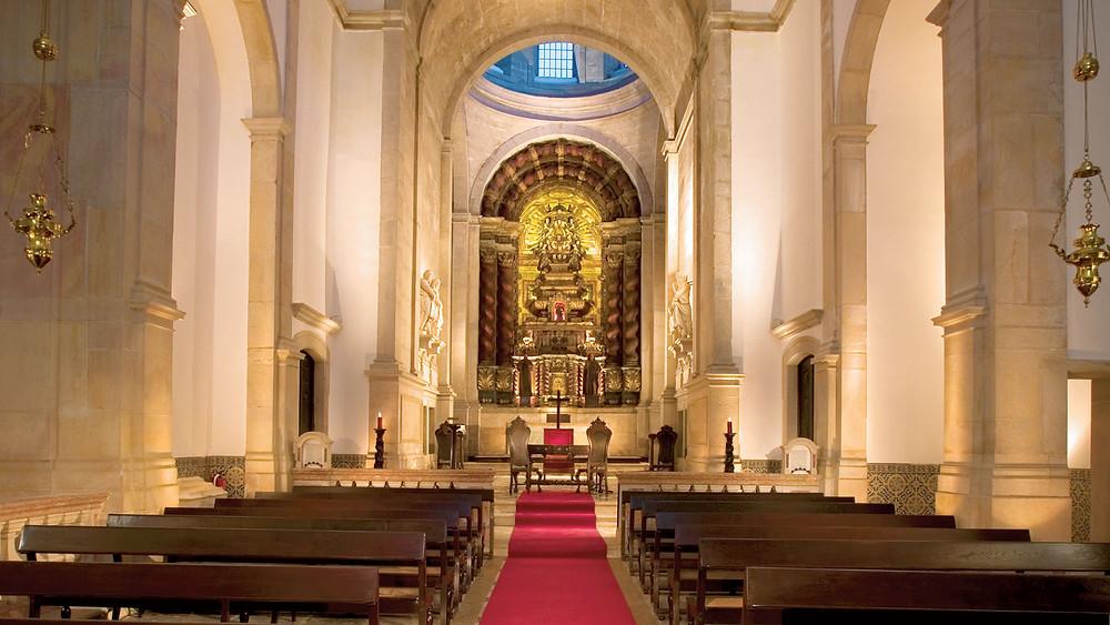 Uma igreja catolica da Penha Longa Resort, Sintra, Portugal