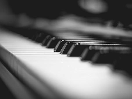 האם כדאי להזמין פסנתרן לאירועים?