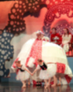 nutcracker young girls2.jpg