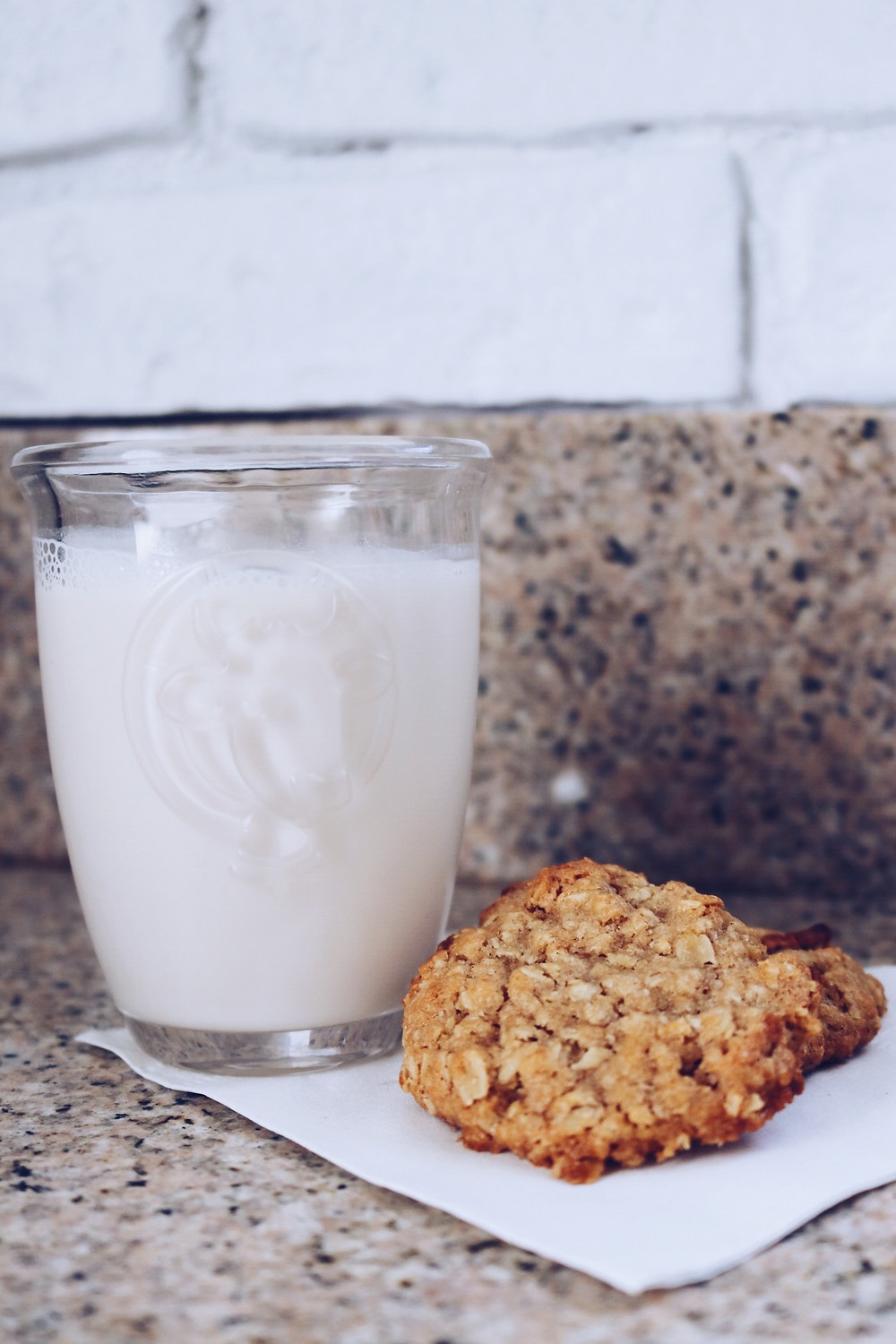 Williams Sonoma Milk Jar Apple Oatmeal Cookie Mix