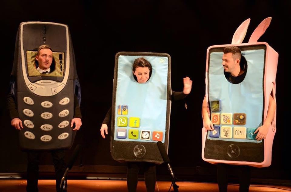 costumi cellulari per televisione