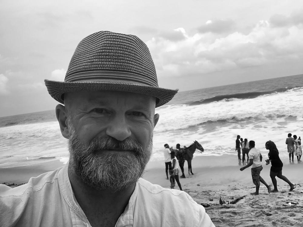 life coach Eddy Smits seaside background