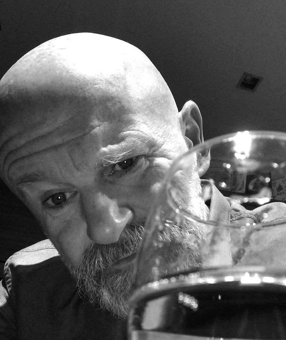 life coach Eddy Smits making a toast