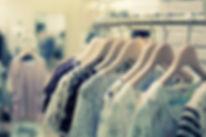 Vêtements sur rack