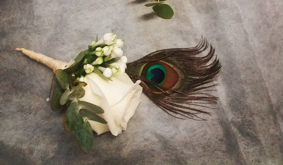 Feathered buttonholes
