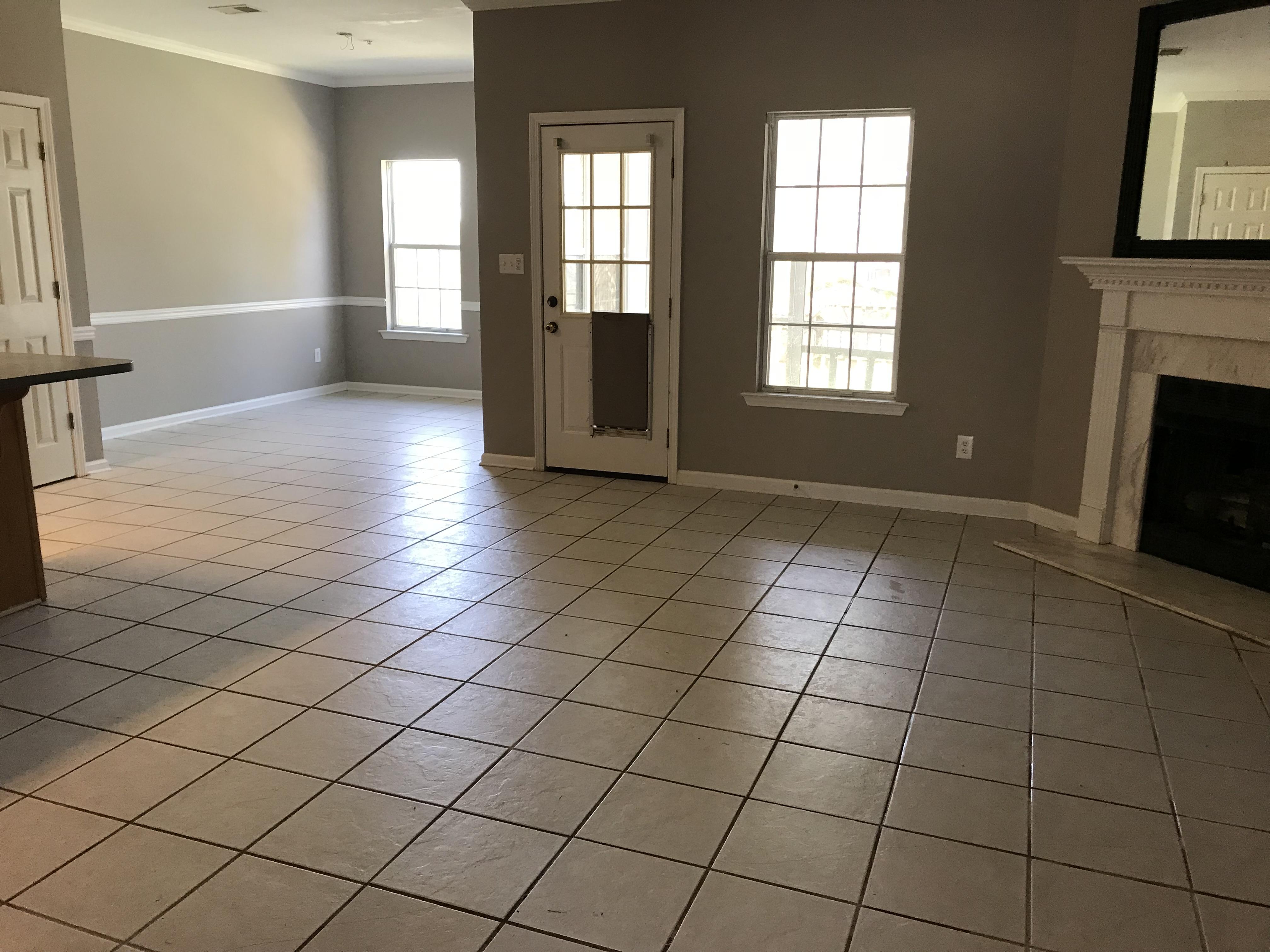 livingroom and kitchen nook
